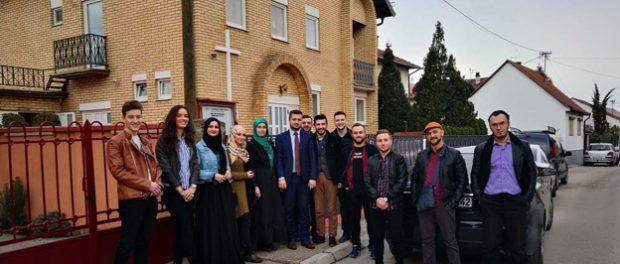 Omladina Atik-Savske džamije u posjeti brčanskim crkvama