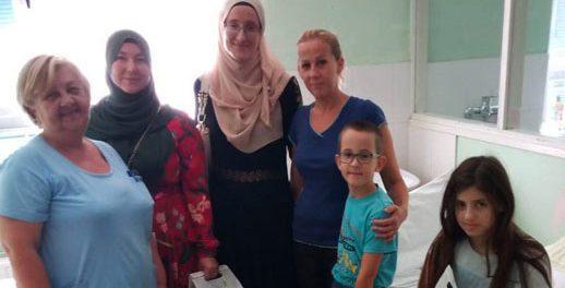 Novogodišnjim poklon-paketićima obradovani pacijenti Odjela za pedijatriju Bolnice u Brčkom