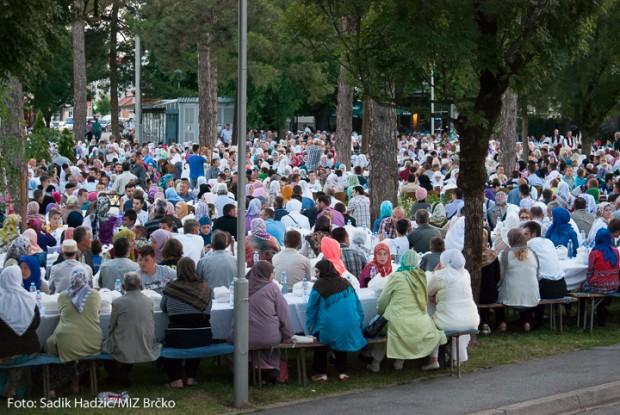 Organiziran iftar za dvije hiljade postača