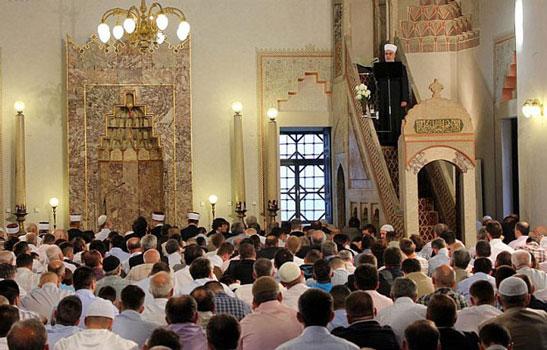 Prijedlog zakona: Pet neradnih dana za vjerske praznike