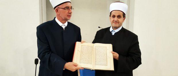 """Muftija tuzlanski govorio na temu: """"Put između Bedra i Kadra"""""""