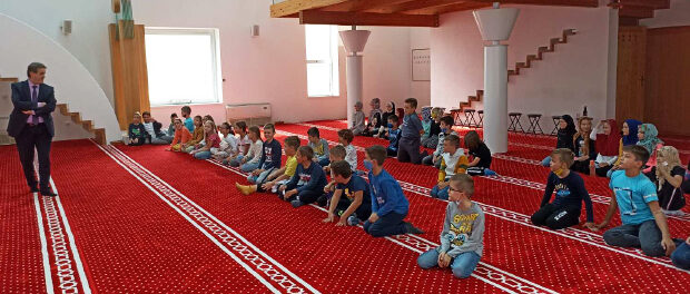 Učenici Treće osnovne škole posjetili mekteb Bijele džamije
